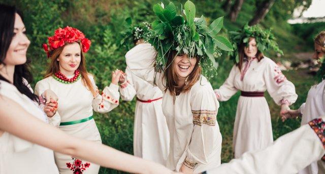 «Slovākija - Jāņu dziesmas Tatru pakājē un brauciens ar plostiem pa Dunajecu!» Beļanska ala, Popradas ūdens atrakciju parks un Laupītāju krogs!