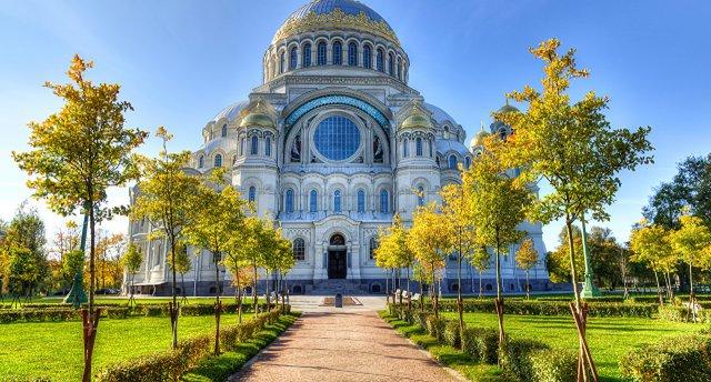 «Lielais ceļojums uz Sanktpēterburgu!» 7 dienas! Vēsturiskais Krievijas Loks – Pleskava, Novgoroda un Mirdzošā Sanktpēterburga