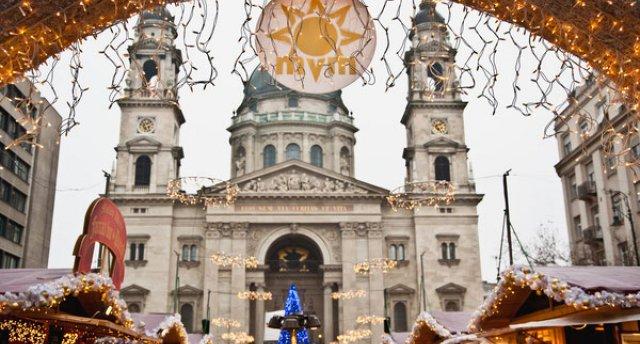 Trīs galvaspilsētas : Vīne,Budapešta,Bratislava ziemassvētkos