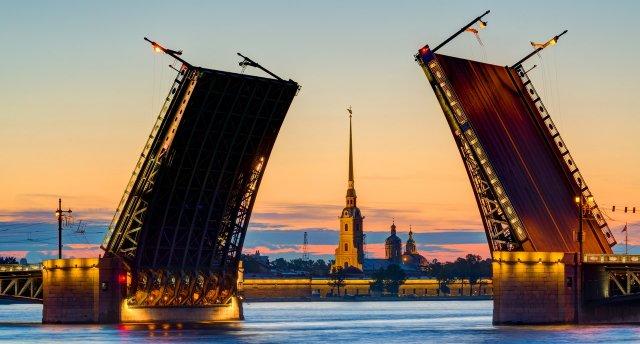 GARANTĒTS 27.07.2017! Klasiskā Sanktpēterburga: Mirdzošā! Krāšņākās Sanktpēterburgas pērles!