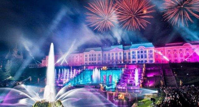 Strūklaku sezonas atklāšanas svētki Pēterhofā! Grandiozi svētki Sanktpēterburgā- svētku programma!