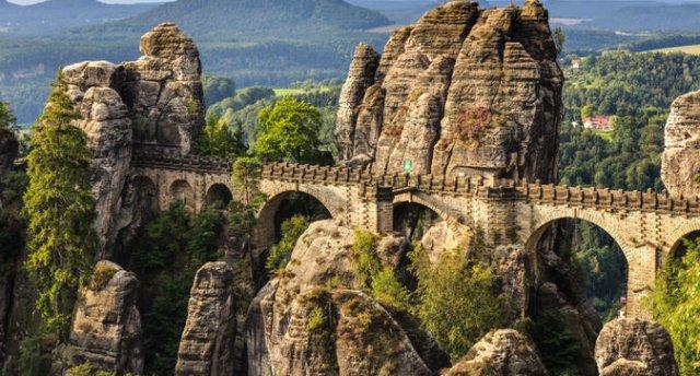 «Saksijas Šveice, Harza kalni un Šprēvaldes burvība» Baucene, Kēnigšteinas cietoksnis, Basteja tilts, Drēzdene, Vitenberga, 1000 ūdens ceļu pilsēta, Berlīne