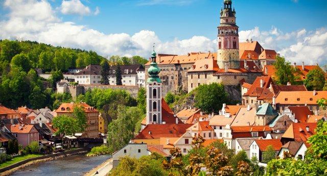 Maģiskā Prāga, Čehijas pilis un Karlovi Vari: minerālūdens avoti. Česky Krumlov un Hlubokas pils