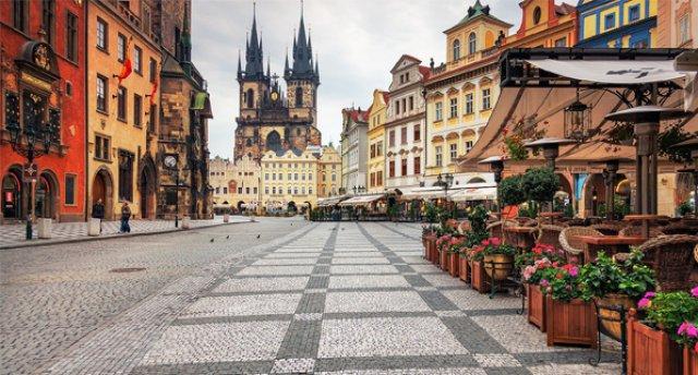 Čehijas panorāma pieaugušajiem un bērniem! Prāga – Karlšteina!
