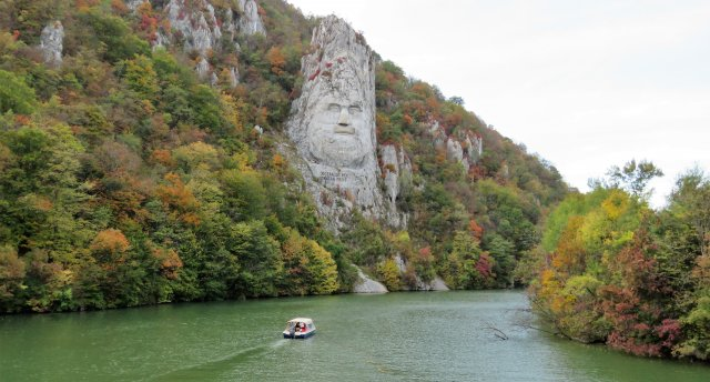 Pārsteidzošā Bulgārija (kalni, alas,ūdenskritumi, termālie avoti, klosteri un Vanga)  GARANTĒTS