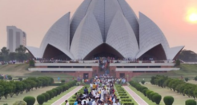 Ceļā uz pasaulē lielākajiem hinduistu svētkiem Indijā