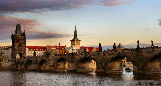 Prāga – Čehijas pilis un Karlovi Vari. Prāga - Česky Krumlov - Hlubokas pils - Folkloras vakars - Karlovi Vari