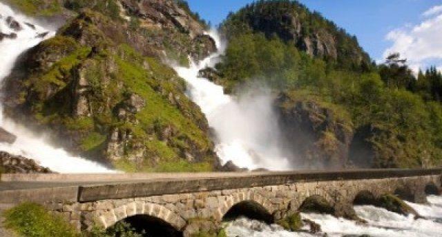 CEĻOJUMS UZ NORVĒĢIJAS FJORDIEM:  Stokholma, Oslo, Hardangervidda, Vēringas ūdenskritums, Hardangerfjords, Sognefjorda Pārseigumi: FLOMAS BĀNĪTIS, BĒJAS LEDĀJS - PĀRSTEIGUMU ceļš, Bergena, Sūrfjords, Folgefonnas ledājs