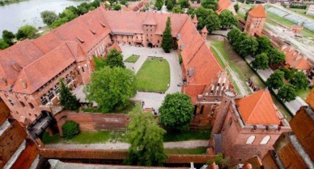 ZIEMEĻPOLIJAS VILINĀJUMS:  Vilka midzenis, Sv.Lipka klosteris, Malborkas pils, Gdaņska, Sopota, Olština, Augustova