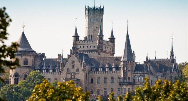 """Senioru tūres 2. daļa! 7 dienas! Varšava - Herenhauzenas dārzi - Valsrode - Marienburgas pils - Badnauheima - """"Europa Rosarium"""" - Zoo-Safari parks!"""