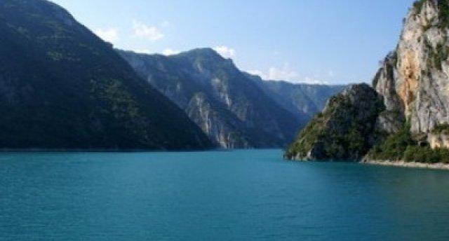Autobusu ceļojums uz Melnkalni