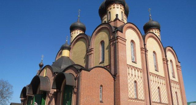 Neaizmirstams ceļojums uz krāšņo Pjuhticas klosteri Igaunijā!