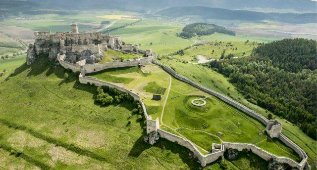 Slovākijas kalnu, alu un cietokšņu noslēpumi... GARANTĒTS