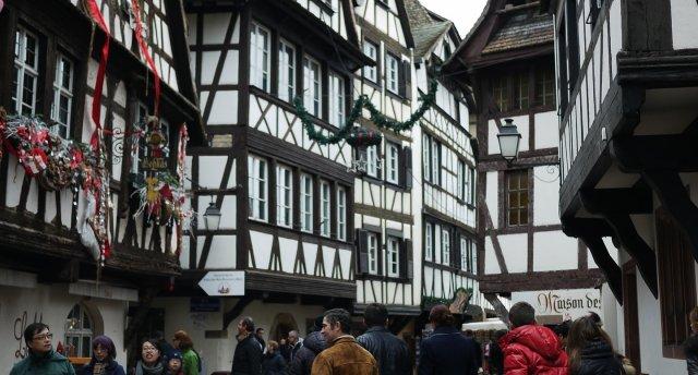 Strasbūra - Francijas Ziemassvētku galvaspilsēta.