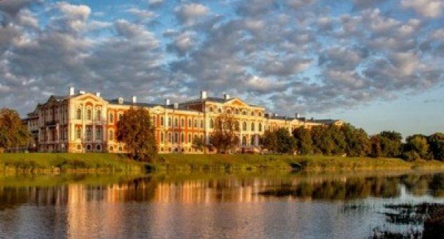 Pa Napoleona vietām Jelgavas apkārtnē! Ekskursijas noslēgumā Napoloena kūkas baudīšana