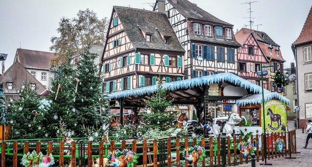 Ziemassvētki Elzasā. Francija-Vācija.