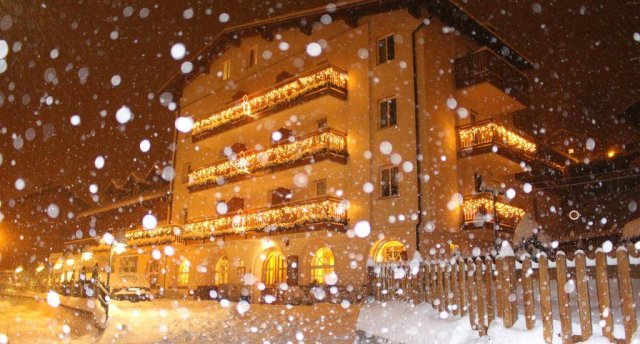 ROSALPINA HOTEL (FOLGARIA) 3 ★