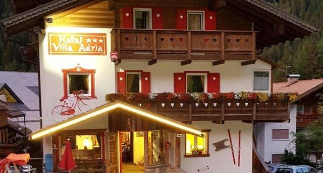 VILLA ADRIA HOTEL (ALBA DI CANAZEI) 3★